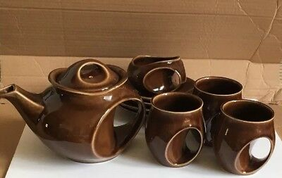 stylish Holkham Pottery Brown Owl Eye teapot  Sugar Bowl and 3 cups and saucers
