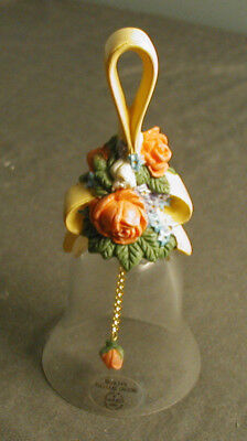 OVER 24% FULL LEAD CRYSTAL AVON BELL WITH CLAPPER - FLORAL HANDLE - 1989 - sb