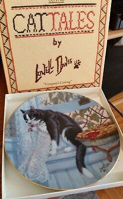 "Schmid Lowell Davis Cat Tales Collector Plate ""Company's Coming"" 1982"