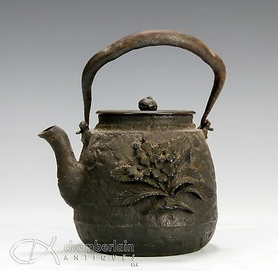 Nice Antique Japanese Cast Iron Tetsubin Teapot With Relief Flowers - Signed