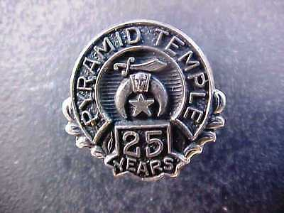 Vintage   Shriners 25 Year Pyramid Temple Lapel Pin