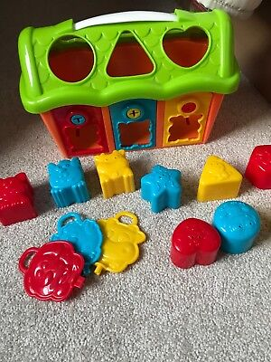 Baby Toddler Shape Sorter Toy with keys and 9 shapes. Perfect Condition