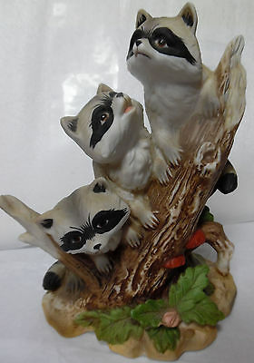 HOME INTERIOR THREE RACOONS ON LOG Figurine #1433 Very Good Pre-owned