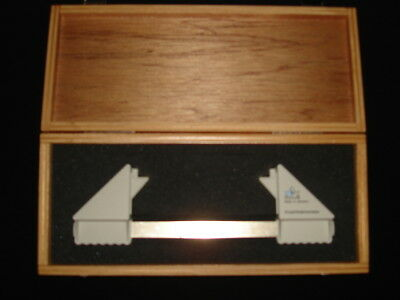 Made in Germany Hertel Exophthalmometer with case by Oculus.MINT