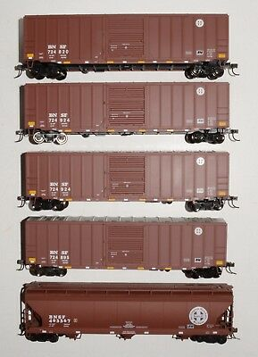 LOT 4 of 5 in excellent condition BURLINGTON NORTHERN & SANTA FE freight cars