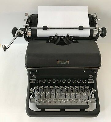 Vintage Royal KMM Manual Typewriter (1939) with Original Glass Keys
