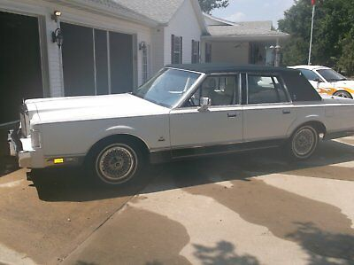 1987 Lincoln Town Car America's Cup Stars and Stripe 87 Lincoln Town Car Limited Edition