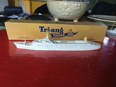 TRI-ANG MINIC MODEL SHIP M715 scale1:1200  RMS CANBERRA