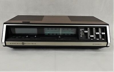 General Electric GE AM/FM Stereo Clock Radio Tested 7-4695A
