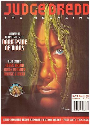 Judge Dredd Megazine #28 FN (6.0) 1993 with Badge