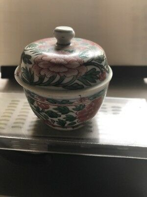 antique chinese famille verte Small Jar With Lid Kangxi Period Qing Dynasty