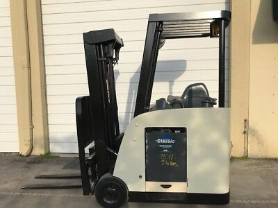 2009 Crown Electric Forklift, Dockstocker, Narrow Aisle, Stand up RC5500