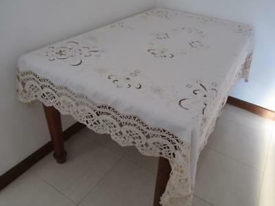 Vintage Standout Lacework Embroidered Linen Banquet TABLECLOTH