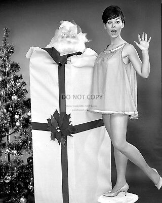 Actress Yvonne Craig Pin Up - 8X10 Christmas Publicity Photo (Aa-381)
