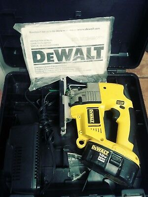 Dewalt dw933 18 volt cordless variable speed jig saw 4000 dewalt dw933 18v variable speed cordless orbital jigsaw keyboard keysfo Image collections