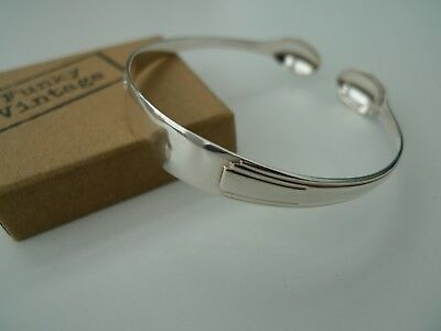 Funky Vintage – Lovely Art Deco solid silver tong bangle – 1937