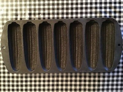 Lodge Cast Iron 7 Ear Corn Bread Pan 27C2 Made In USA Excellent