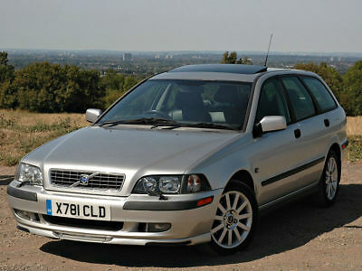 Volvo V40 1.9 T4 Automatic. 'SPORT LUX' Specification.