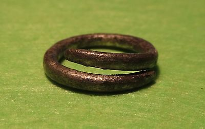 Scythian-Sarmatia Silver Old Ring - Temporal 7-3 th Century BC  2.6 grams