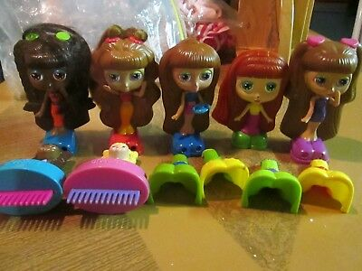 Previously Owned Set Of Diva Starz Figures Dolls And Accessories