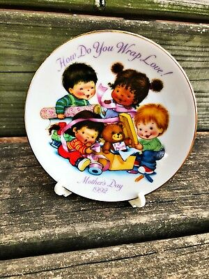AVON fine collectibles MOTHER'S DAY collectors PLATE porcelain 1992