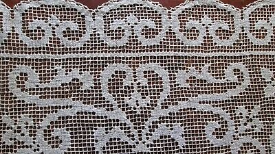 "antique knotted filet lace tablecloth/tabletopper 32.5"" sq, cream hearts+flowers"