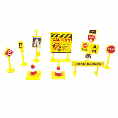 Set of 10Pcs Wood Road Construction Traffic Signs Kids Indoor Outdoor Learn Toy