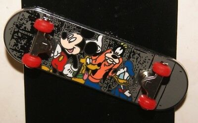 Disney Parks Mickey & Friends Skateboard Pin New On Card