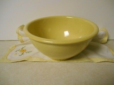 """Vintage Shawnee Snowflake Yellow Mixing Bowl USA Pottery 8"""" Very Good Condition"""