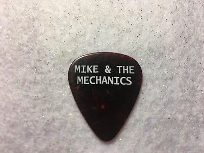 GUITAR PICK  Mike Rutherford - Mike & the Mechanics tour issue pick - No lot  CC