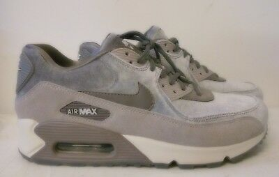 newest 59d03 41adb Chaussures Nike Air Max basket femme grise velours taille 41