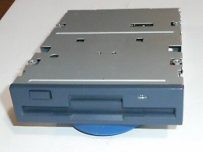 Floppy Drive 1.44Mb (power cable+ flat cables + 4 screws ) Black front