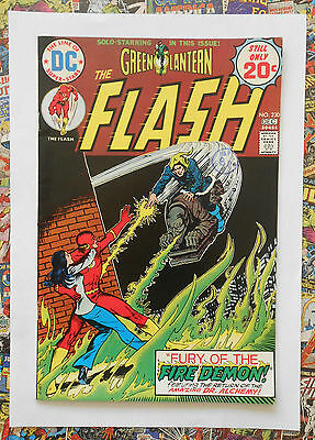 The Flash #230 - Dec 1974 - Dr Alchemy Appearance - Nm- (9.2) Cents Copy!!