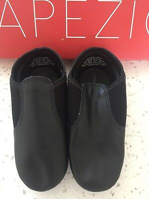 Capezio Jazz Shoes Split Sole - Size 11M - little girls.