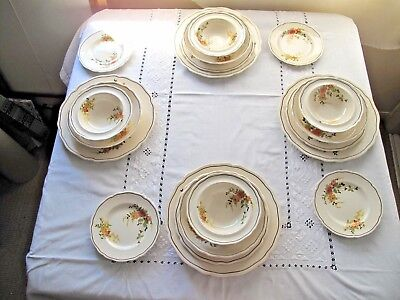 Antique Royal Doulton  Rosslyn D5399 19 Piece Dinner Setting