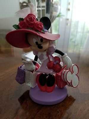 "Disney Minnie's Hats Over Heels Collection ""Shopping With Hattitude"" Resin Figur"
