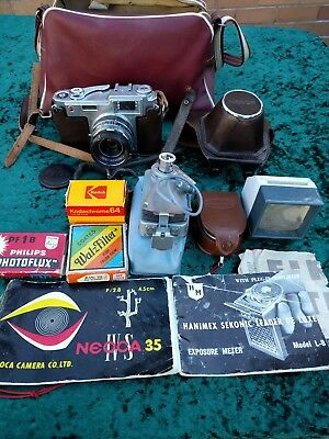 Vintage 1950's Neoca 35mm Camera with accessories & carry bag, Working Order.