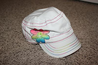 Childrens Place Girls White Hat with Flower Design Size Large 2-4 yrs