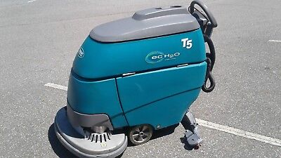 """TENNANT T5 ecH2O 32"""" FLOOR SCRUBBER (RECONDITIONED)"""
