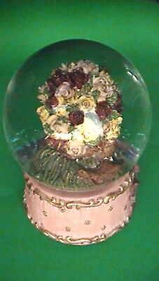 """Rose Wedding Bouquet """"somewhere My Love"""" Musical Water Globe - Unboxed Display"""