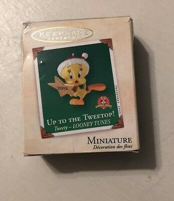 Hallmark Keepsake Christmas Mini Tweety Bird Ornament 2002 Looney Tunes w Box