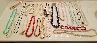 Vintage Estate Lot of 23 Costume Jewlery Necklaces, Pearls?, Beads, etc