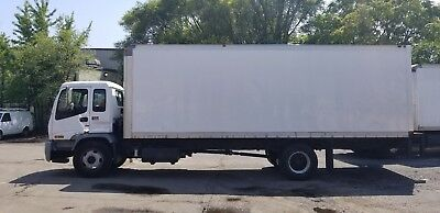 2004 GMC T7500 24ft Box Truck Tuck Under Lift Gate - Automatic Trans - Cab Over