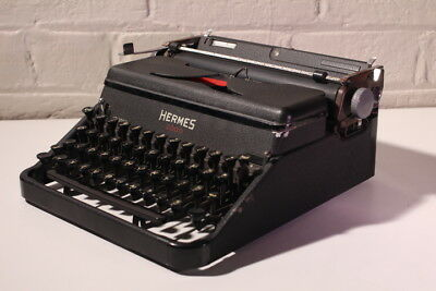Hermes 2000 Typewriter ***** Excellent Working Condition ***** Top Quality!