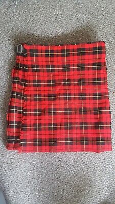 Mans Scottish Design Tartans Red Kilt. Size 42. Great for a formal occassion.