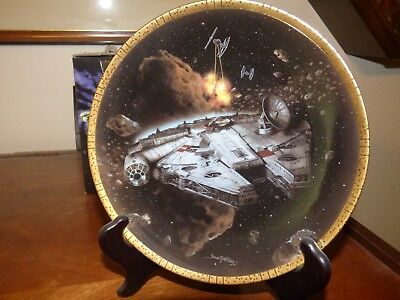 Hamilton Collection Star Wars Limited Edition Plate - Millenium Falcon