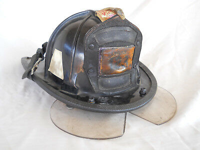 Vintage Antique CHICAGO FIRE DEPT Cairns 880 Fire Helmet Engine 123