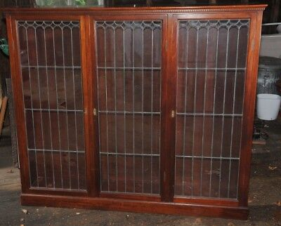1920's ANTIQUE STAINED LEADED CLEAR GLASS MAHOGANY CABINET with BOOK SHELVES