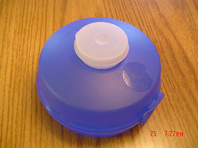 TUPPERWARE  ROUND SANDWICH/ BAGEL KEEPER/ Mini SALAD- BLUE Dip/Dressing Smidget