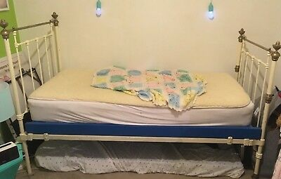 Genuine Cast Iron Antique Single Bed - Cream with Base - Beautiful bed!